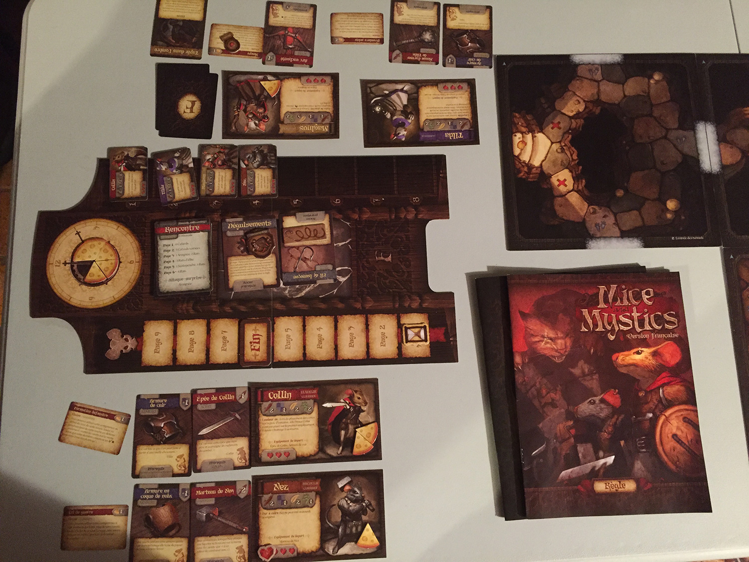 L'aire de jeu de Mice and Mystics.