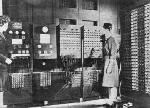 ENIAC, énorme calculatrice.